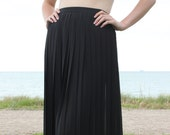Black Pleated Skirt 80s Skirt Katies Brand Ladylike Skirt from the Eighties mid length ladies skirt
