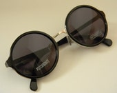 Vintage Deadstock ROUND/CIRCLE FRAME Sunglasses Black and Silver