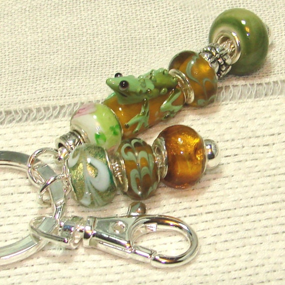 Amber & Green Funky Frog Beaded Key Ring