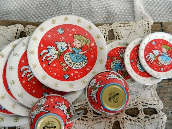 Cute Vintage Ohio Art Tin Litho Childrens' Toy Dishes