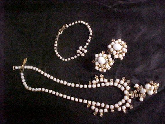 Vintage Elegant 3 pc Necklace, Earrings, Bracelet
