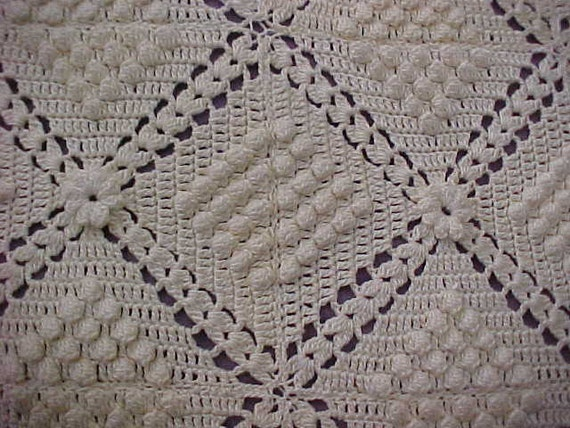 Bedspread Bedcover Antqiue Lace Exquisite Hand Crocheted Bed Cover w/ Flower Detail circa late 1930s