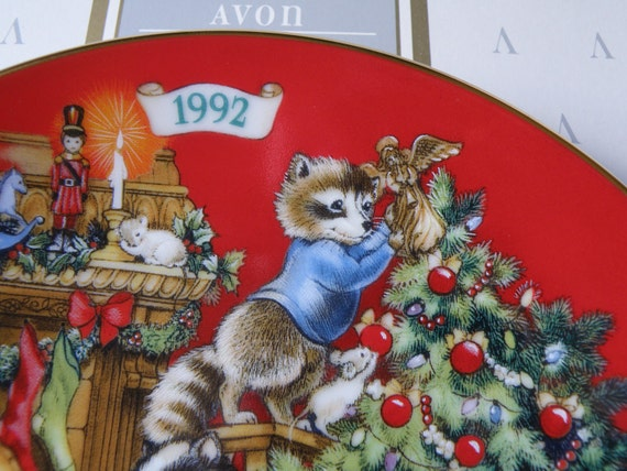"""CLEARANCE SALE ~ Porcelain """"Sharing Christmas with Friends"""" Avon Christmas Collector Plate-1992- with box"""