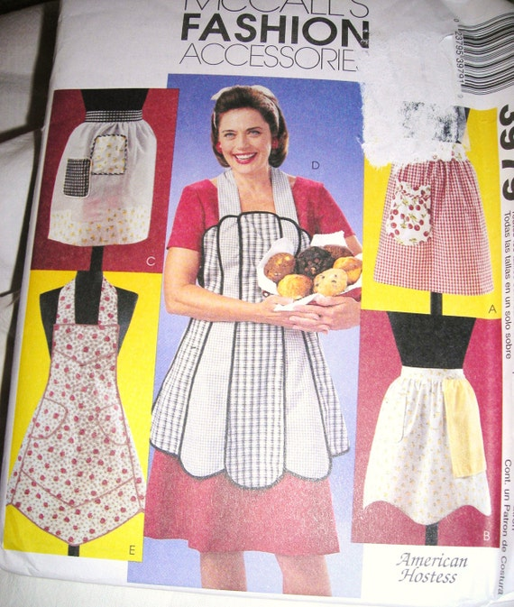 June Cleaver Is In Her Kitchen / Mccalls Vintage Apron  Pattern / American Hostess / Old Fashioned Aprons
