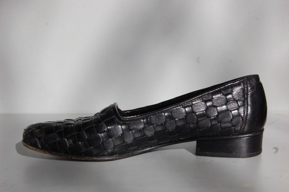 1980s Italian Leather Black Loafers / Woven Shoes / 6.5 / 37