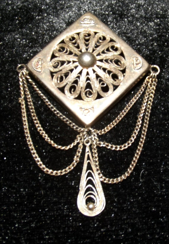40% Off Sterling Silver Diamond Filigree Brooch with Chain Vintage