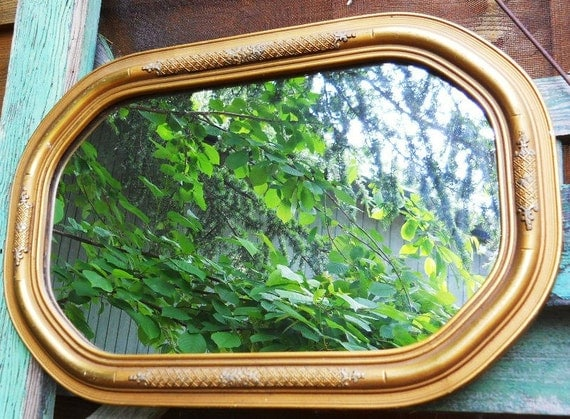 Vintage 1920s Art Deco Hollywood Regency Octagon Wood Victorian Frame Wall Mirror - Cottage Chic Decor Gold and Silver