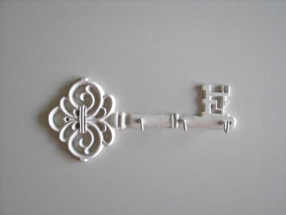 Fancy Key: Key Holder or Key Rack in white