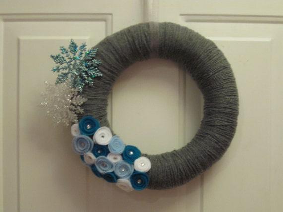 12-Inch Yarn-Wrapped Sparkly Winter Wreath