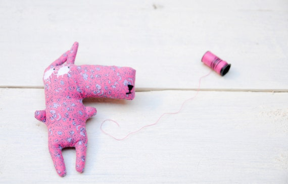 Handmade fabric brooch- pink bunny