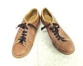 15% off SALE Vintage Caramel Men's Bowling Shoes / Stitching Detail /  Leather Bowling Shoe / Size 10