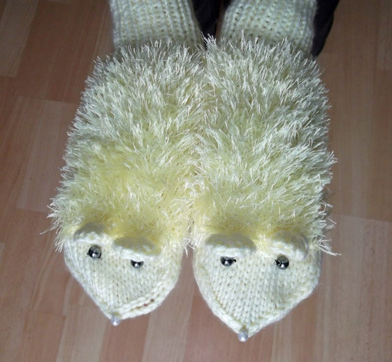 Handknitted Women/Girls Mittens, Mouse Mittens, Cute Mittens, Yellow Mittens, UK Seller