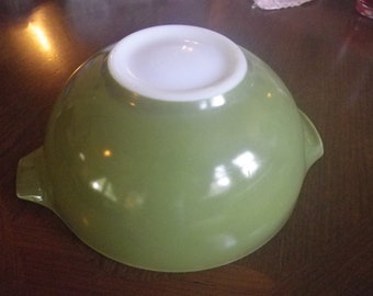 2 1/2 Quart Pyrex Mixing Bowl Vintage Avocado Green Compatible with Spring Blossom Green