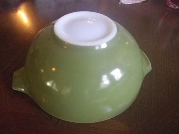 2 1/2 Quart Princess Pyrex Mixing Bowl Vintage Avocado Green Compatible with Spring Blossom Green
