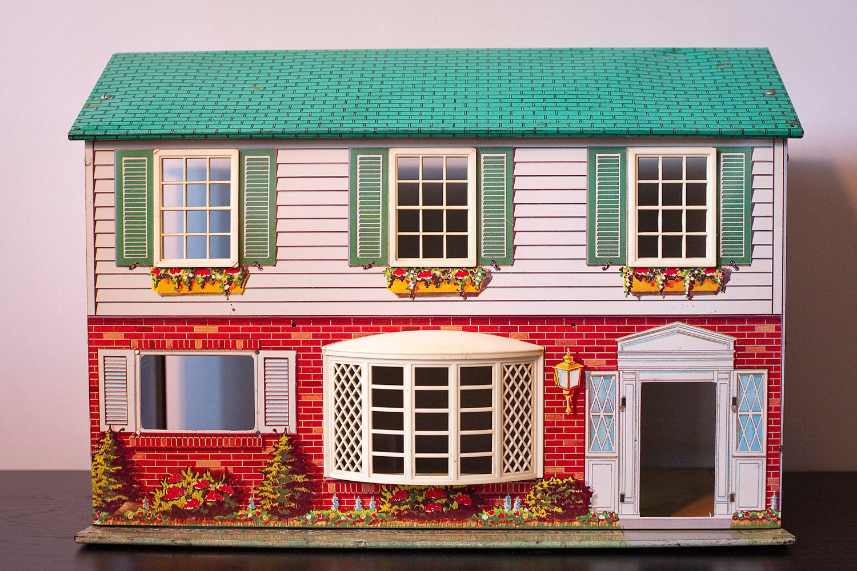 Vintage Metal Dollhouses 13
