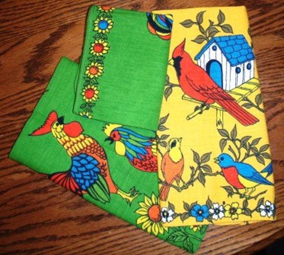 vintage Kitschy Kitsch ...  VINTAGE LINEN TEA Towels set of 3 towels..