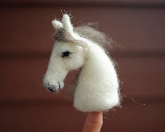 Fingering horse