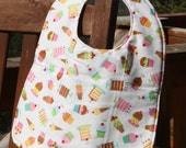 NEWBORN Bib: Tossed Cupcakes on White, Personalization Available