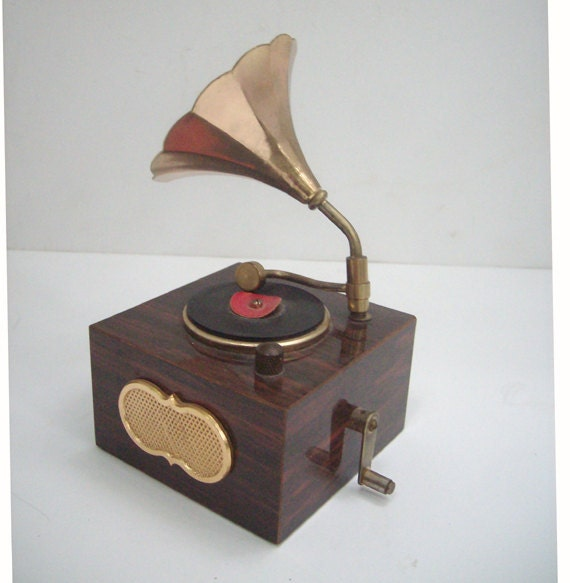 RESERVED for DINAKARA Only  Vintage Music Box Record Player Victrola