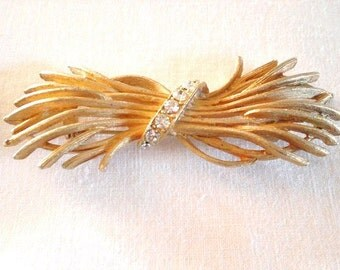 Vintage golden twigs pin/brooch with clear rhinestones