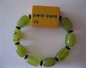 Beautiful Vintage Bakelite Mah Jongg Bracelet with  Lemon Jade and Black Onyx Beads