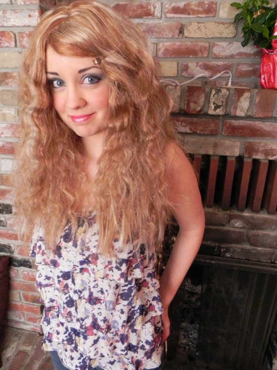 Boho Babe / Light Brown Highlighted / Long Curly Layered Wig