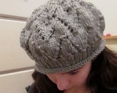 Silver-Grey leaf-pattern knitted beret