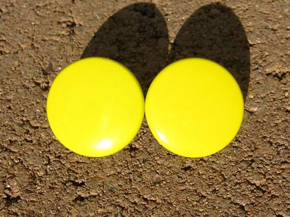 Vintage yellow earrings, round enamel button earrings