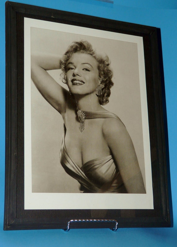 SALE 10.00 - Marilyn Monroe - 11X14 Framed Black and White Photograph