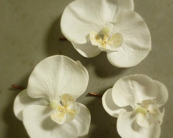 Orchid Bobby Pins / White Flower Bobby Pins / Wedding Hair Accessories / Set of Three/ White