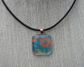 Retro Flower Glass Pendant Necklace