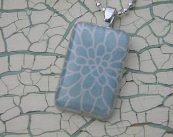 Blue Chrysanthemum Resin Necklace