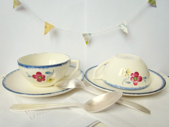 Vintage French set for 2: Cup, silver teaspoon, cotton-linen napkin - a shabby chic Valentine party (b)