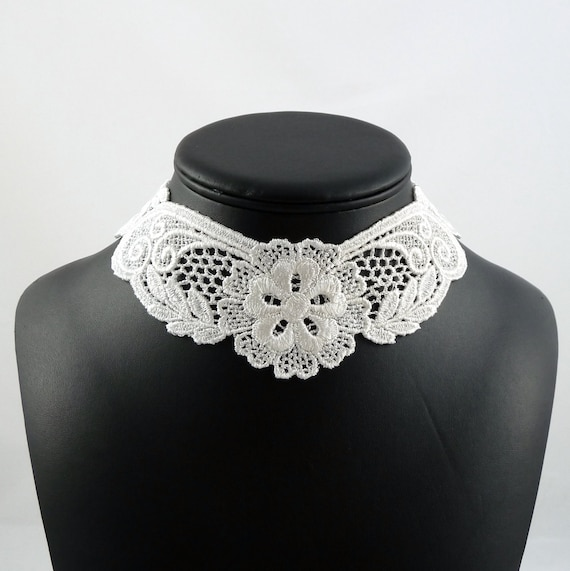 White Lace Collar Choker Necklace with Flowers - Elegant Minimalist Bridal - Victorian Lolita Jewelry for Women - Wedding Summer Beach Dress
