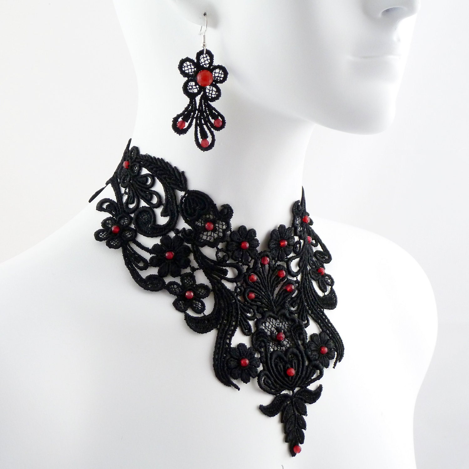 Jewelry set black lace and red rubies choker necklace and for Red black and green jewelry