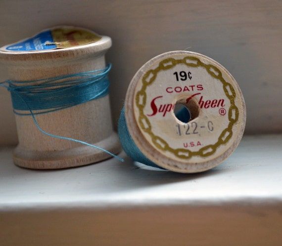 Vintage Spool Ring -Tiffany Blue ooak