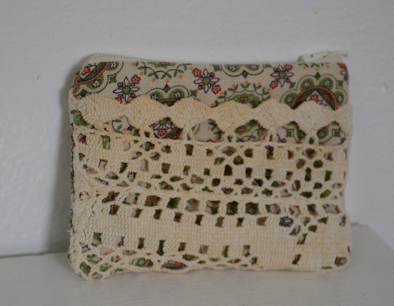 Vintage Green and Brown Coin Purse with Lace Pocket