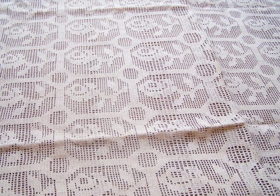 """Vintage Cotton Net Table Spread in Ivory Thread (51""""x32"""")"""