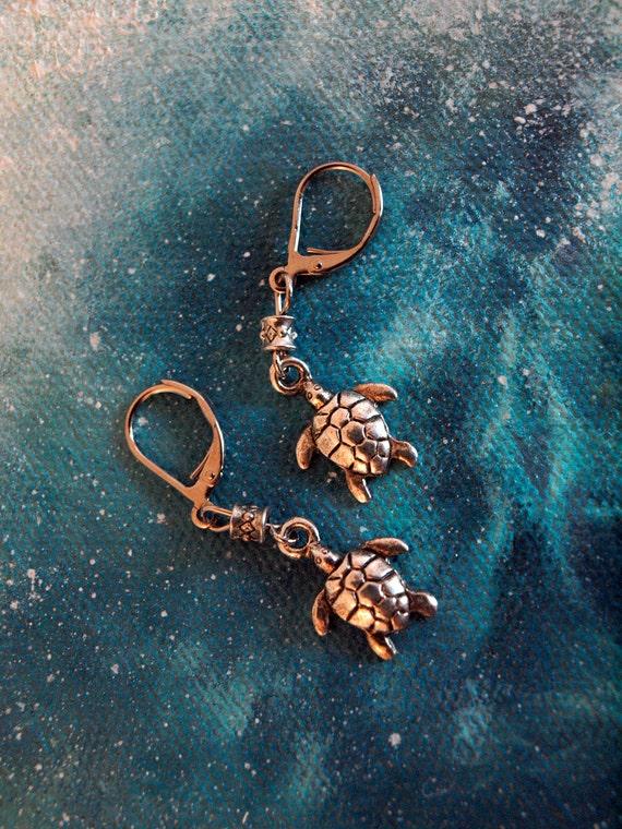 Silver sea turtle earrings, summer fun