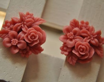 8 pcs  resin flower   Cabochons  pendant finding  RF068