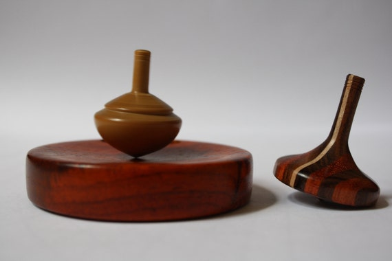 Empty Dish for two spinning tops