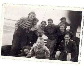 Vintage Photo: Rocky boat group portrait