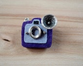 Vintage Camera Brooch - Felt Brooch - greenaccordion