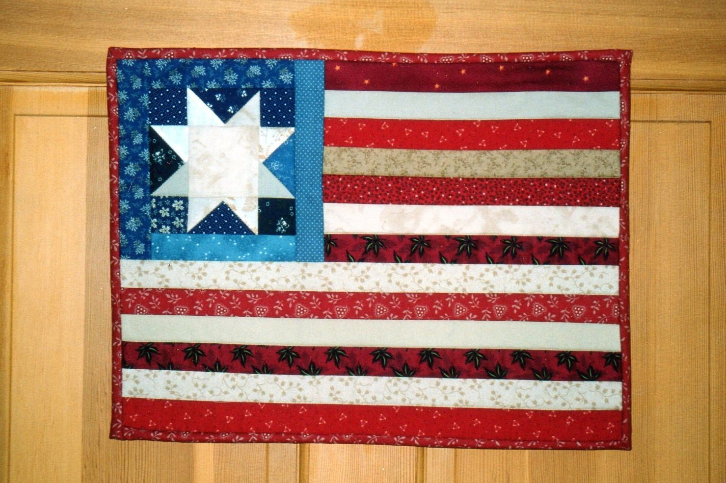 quilted american flag wall hanging by ourlodgeinthewoods. Black Bedroom Furniture Sets. Home Design Ideas