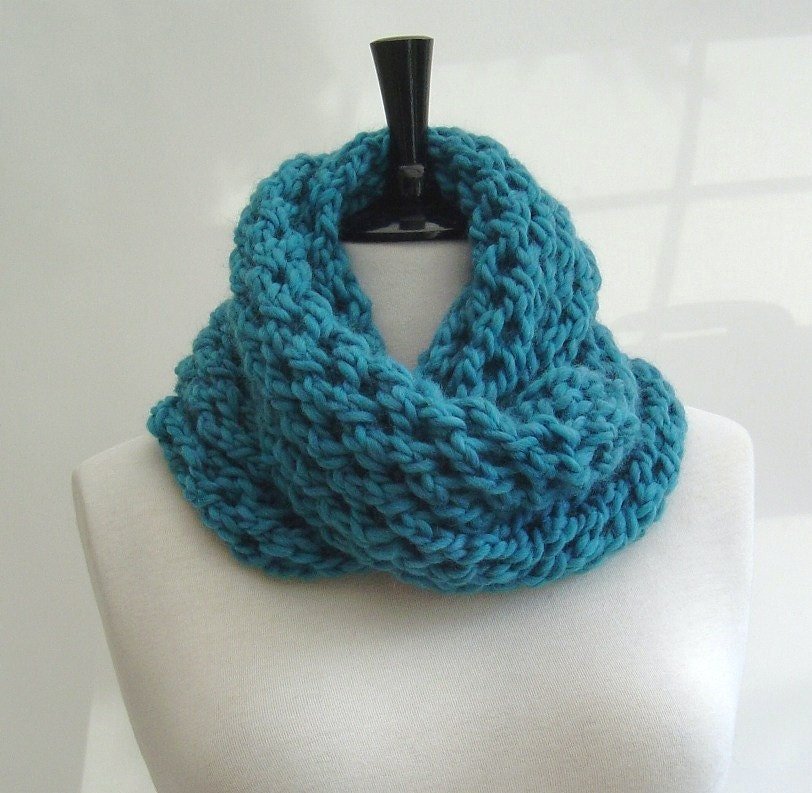 Knitting pattern Infinity Scarf quick and easy beginner scarf