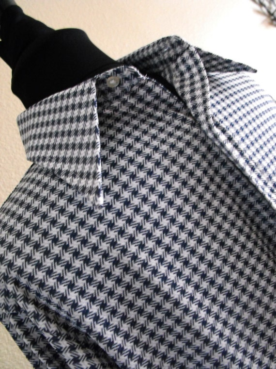 Very Cool 1970s Men's Blue and White Checkered Button Up Shirt by Grant's Men's Wear
