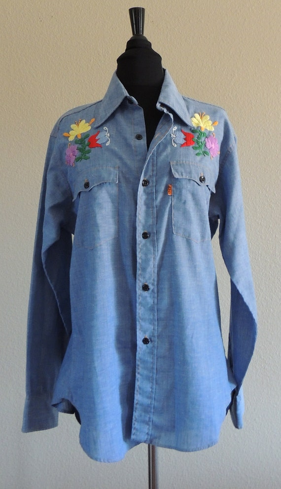 Vintage Levi's Embroidered Chambray Shirt