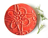 Red ceramic dish spoon rest rustic lace pattern flower ring holder eco friendly wedding decoration - Ceraminic