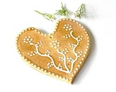 Ceramic Wedding Ornament White Dots Caramel Heart Eco Friendly Material Recycled Carton Box