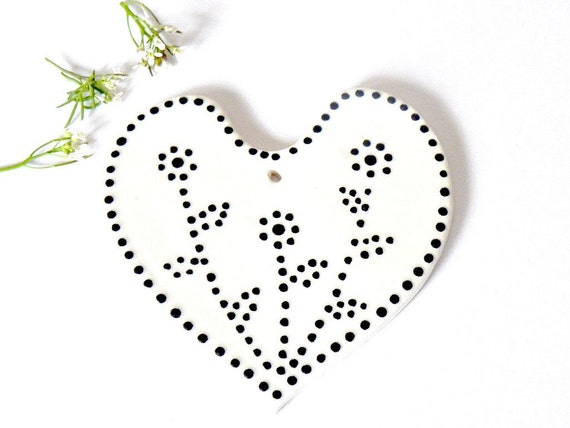 Valentine Gift White Heart Ceramic Ornaments with Black Dots Wedding Decoration Pottery Mothers Day Gift